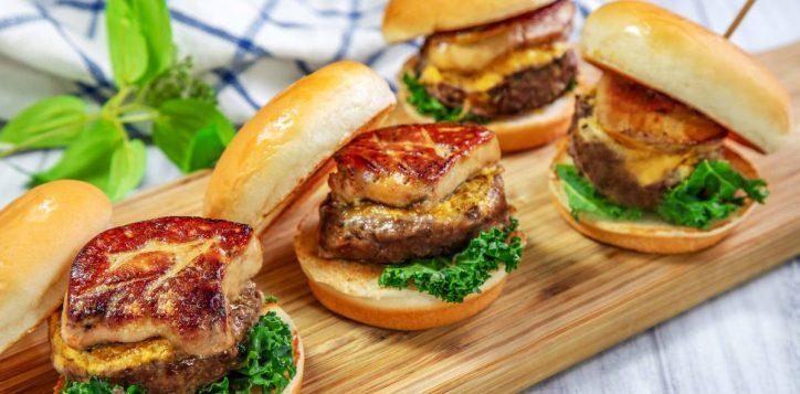 %e5%92%8c%e7%89%9b%e9%b4%a8%e8%82%9d%e6%bc%a2%e5%a0%a1-foie-gras-and-wagyu-beef-burger-2