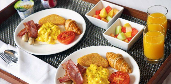 staycation-in-room-breakfast-set-novotel-century-hk-2