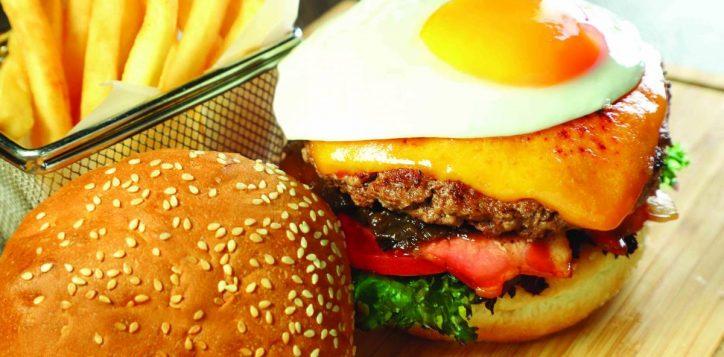 angus-beef-burger-%e5%ae%89%e6%a0%bc%e6%96%af%e7%89%9b%e8%82%89%e6%bc%a2%e5%a0%a1%e5%8c%85-2